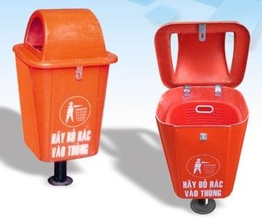 Thùng rác nhựa công cộng chân đế sắt